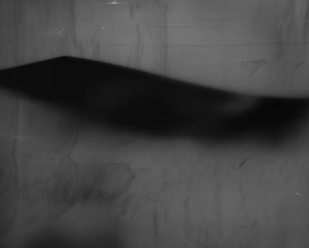 李俊《一个抽烟的女子. 公交车的蓝色座椅. 无人的剧场. 我坐在床上. 窗外发黑的楼道. 路边一个男人的肖像》,出自《记之暗面》系列,2017,艺术微喷(2013第五届三影堂摄影奖大奖获得者)