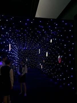 """赵旭""""漫步星际"""" 中国美术馆首个沉浸式体验个展"""