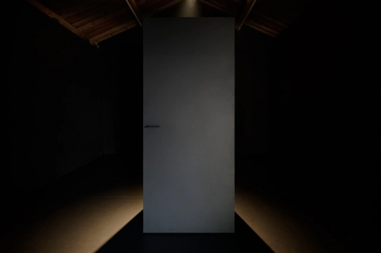 安全屋2# 黑色运动戴墨镜方块,是保险柜?是黑衣人?你瞅啥?你瞅啥?你瞅啥…….