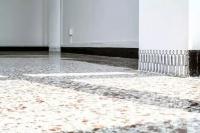 """""""白盒子""""空间太无趣?在别墅、车库、防空洞做展览是一种怎样的体验?"""