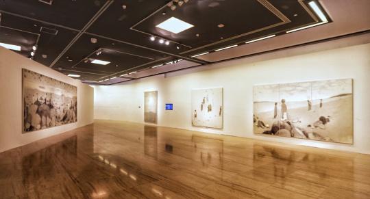 """杜小同中国美术馆作品展  遗世独立的""""寂寥""""存在"""