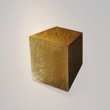 《凹凸》83x73x19cm 金箔、不锈钢板 2018