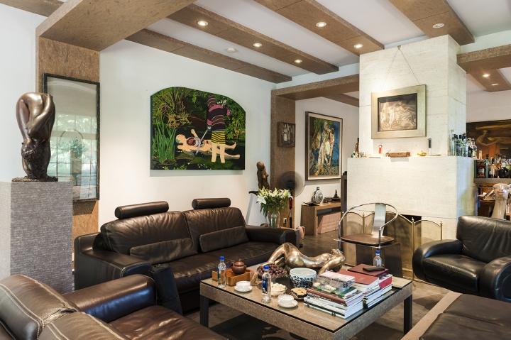 唐炬家的客厅,艺术装点了柴米油盐的生活(摄影:董林)