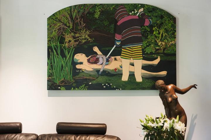 陈飞 《拾荒者》 115×179cm 亚麻布丙烯 2010(摄影:董林)