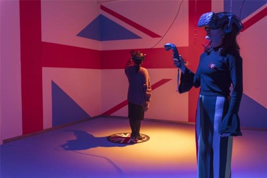 """""""蕾切尔·麦克莱恩""""展览现场图,图片由金杜艺术中心提供"""