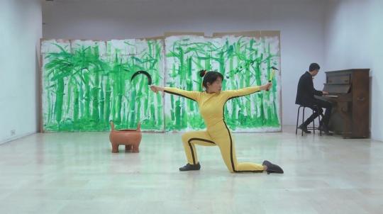 姚清妹,《跳吧!跳吧!布鲁斯·玲!》,行为录像,12'00'',2013