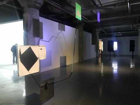 "OCAT上海馆""8102——与现实有关""展览现场"