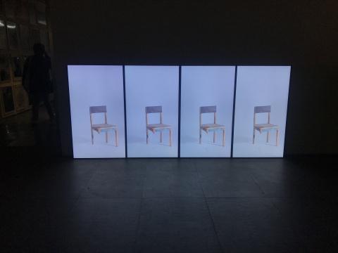 蒋竹韵《融化之中,站立的轮廓》17分 视频装置 2015-2016