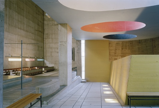 拉图雷特修道院内部(图片来自苏州美术馆)