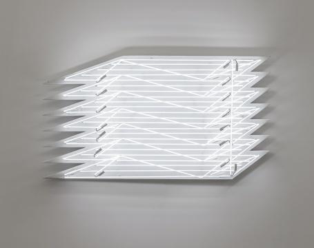《照明1》,2018,白色霓虹灯管,铁皮,真石漆,87.5 x 161.9 x 18 cm