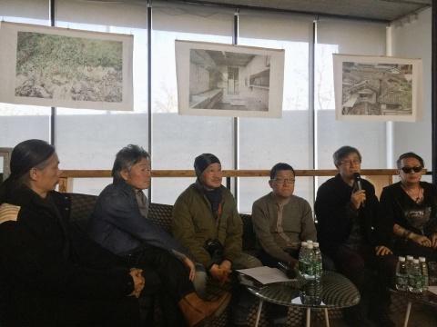 金重晚、具本昌、李甲哲、闵丙宪和朴起好在座谈会上