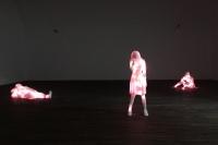 美国艺术家道格·阿肯提中国大陆首展 三件作品讲述的现代化故事