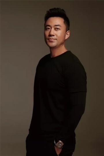 黄予,Art Chengdu国际钱柜999娱乐客户端博览会联合创始人,收藏家、北京子子文化创始人