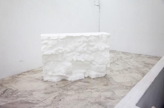 蔡国杰,〈误差填充〉,3D切割发泡聚苯乙烯,104x156x54cm,2019。图/伊通公园 IT PARK 提供