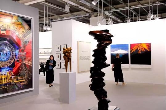 Marian Goodman画廊展位,图片来源:Art Basel官网