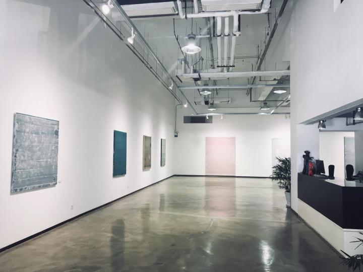 """孙策个展""""Nothing On canvas""""展览现场,锦都艺术中心,2018,策展人:荣剑"""