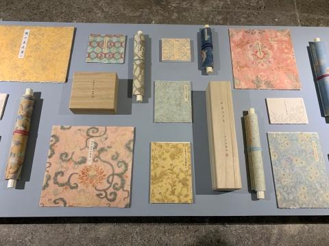 《遥远的信件》 尺寸可变 木盒、数码打印卷轴、册页 2011-2018