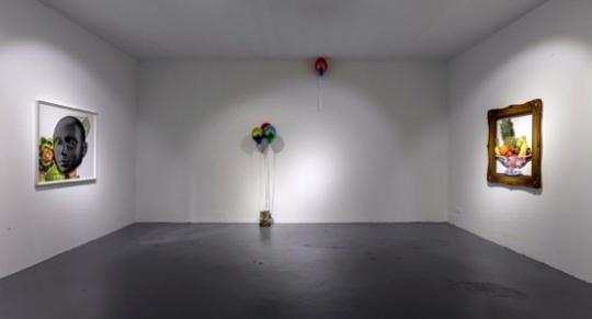 """798首家恢复开放的画廊,当代唐人艺术中心推出群展""""我是谁"""""""