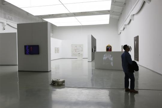 """蜂巢当代艺术中心2020首次群展,呈现疫情之下""""恶何以是"""""""