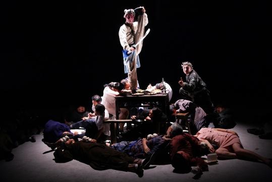 汪建伟《三岔口》截帧图片由艺术家提供