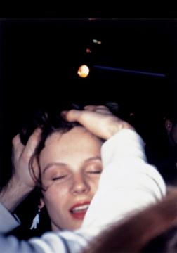 沃尔夫冈·提尔曼斯《爱(手埋在发丝中)》82.7×62.3cm 喷墨打印裱于铝板、艺术家自制框 1989