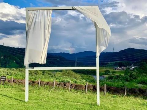 内海昭子《为了许多消失的窗》,越后妻有艺术三年展作品