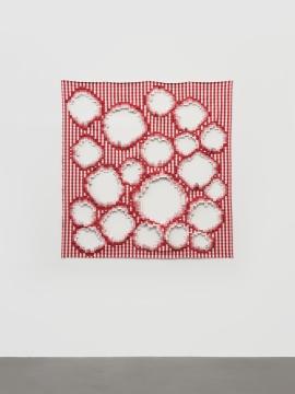 《红白格布》 约150×150cm 宜家红白格布、棉线等 2019