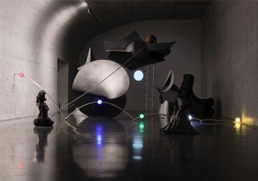 刘韡《散场/OVER》,龙美术馆(西岸馆)展览现场