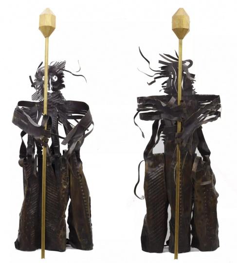 夏阳《守财神》400×150×140cm×2铜2010