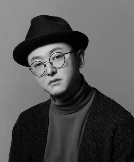 闫烨  中央美术学院油画系第五工作室教师