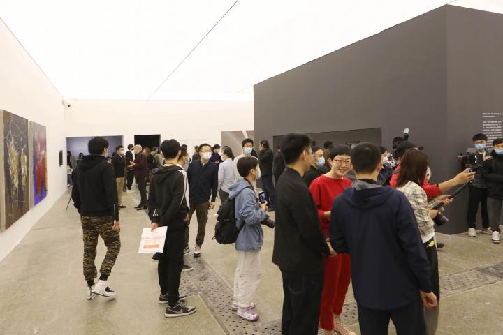 """谭平""""绘画是什么1984-2021""""开幕现场,当代唐人艺术中心(北京)"""