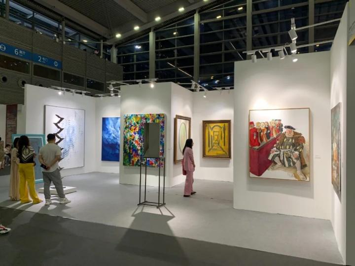 当代唐人艺术中心展位现场当代唐人艺术中心展位现场
