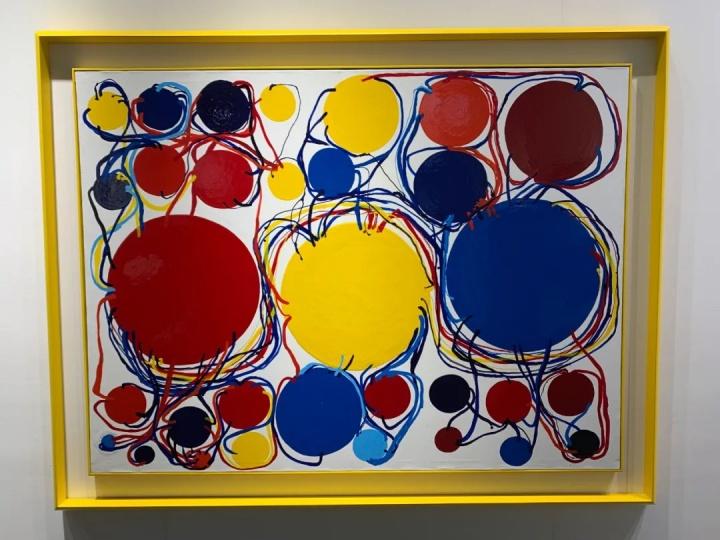 展位现场最贵的作品来自田中敦子,550万元以内
