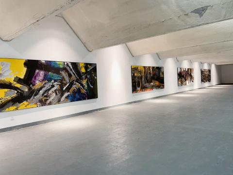 张伯世艺术展,探索中国艺术中线的三重作用